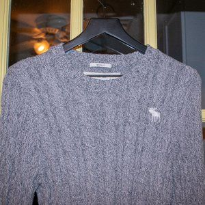 """Abercrombie & Fitch """"Muscle"""" sweater in GUC"""